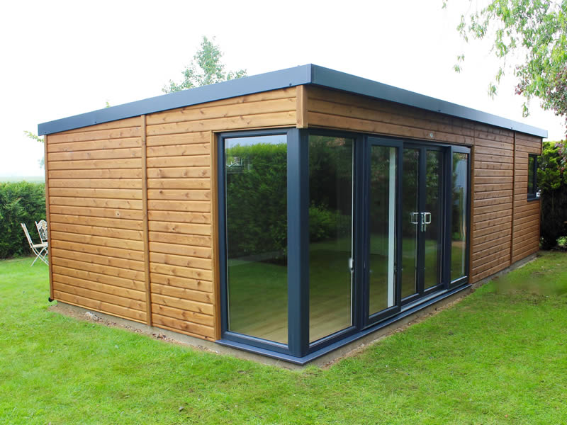 Manhattan garden room 8m x 4m with 3m patio doors